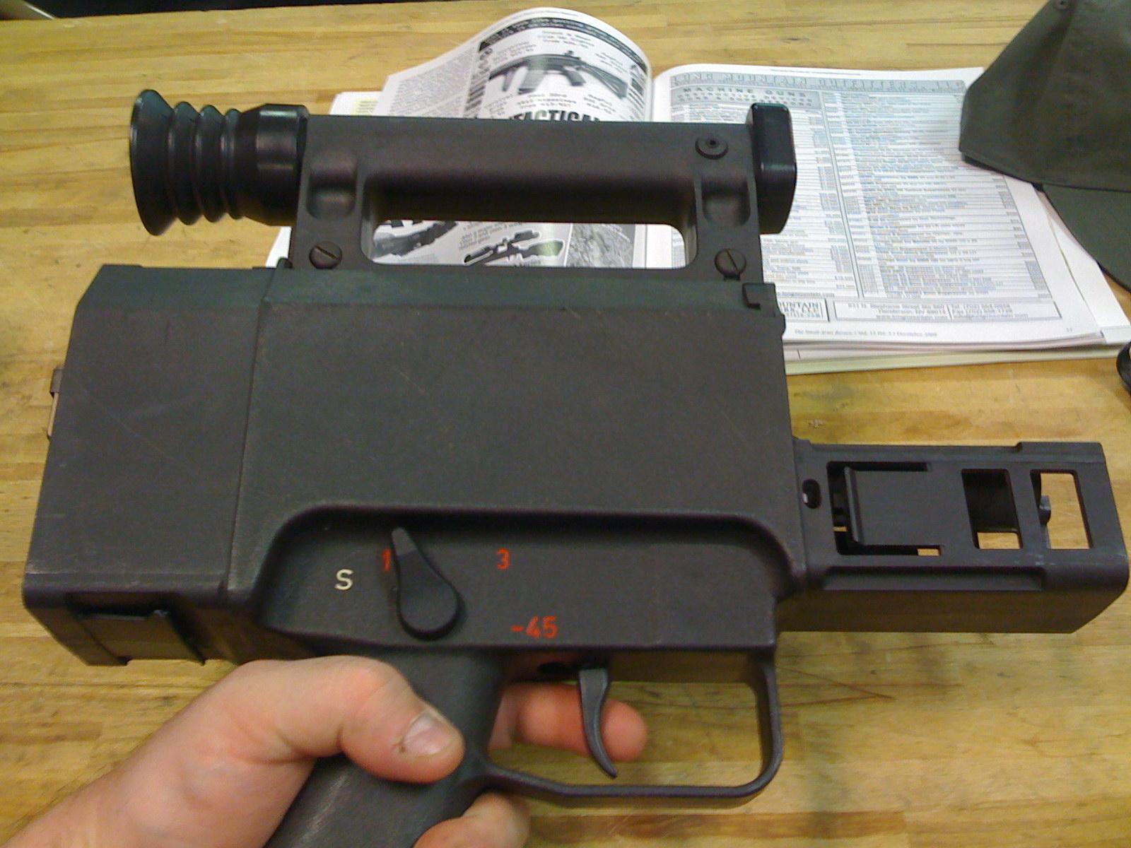 G11 caseless ammo-008 jpg  G11