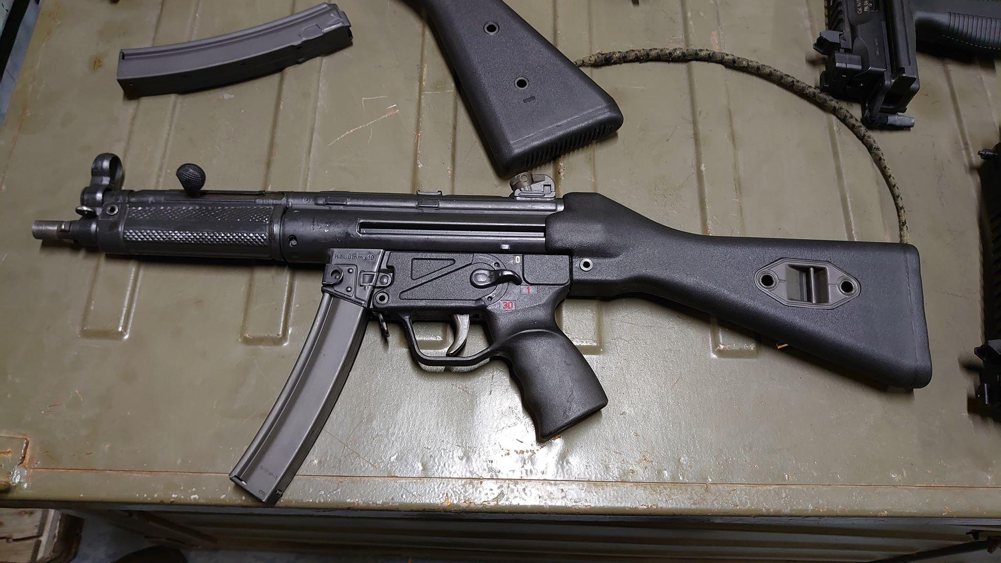 Strange MP5 Clone-01.jpg