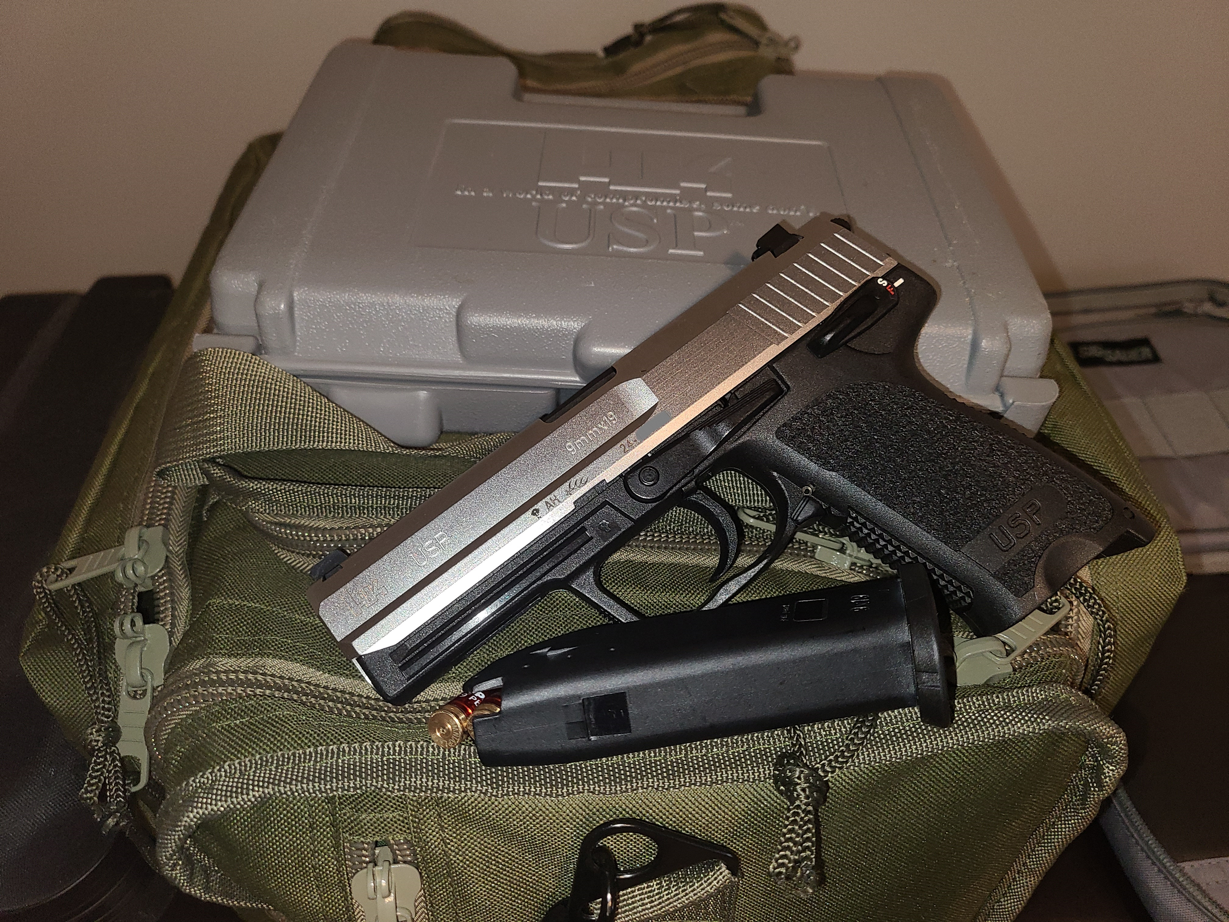 Sometimes you get lucky - USP 9 Stainless-01.jpg