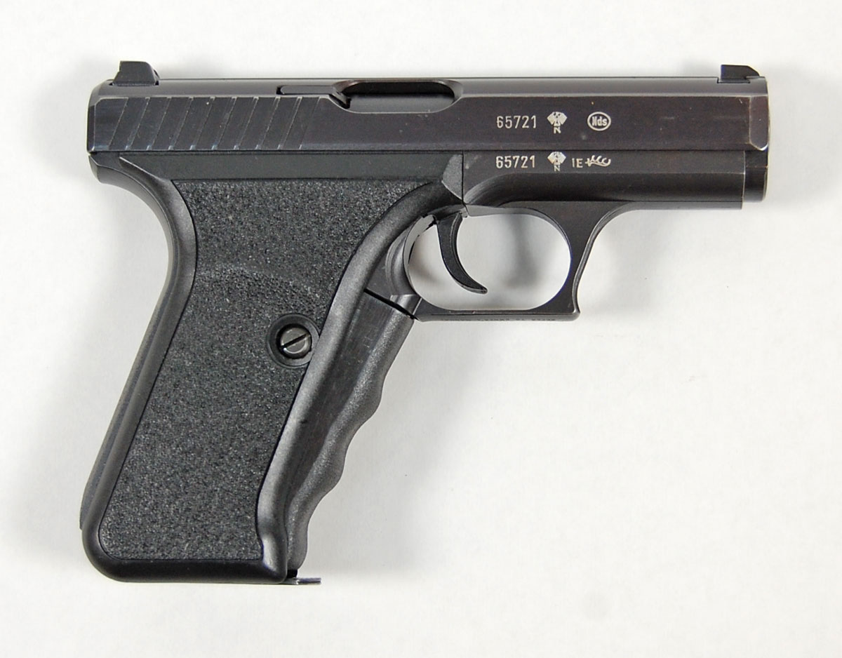 WTB: P7 any variant, 8/82 stamped, if possible-0479-1.jpg