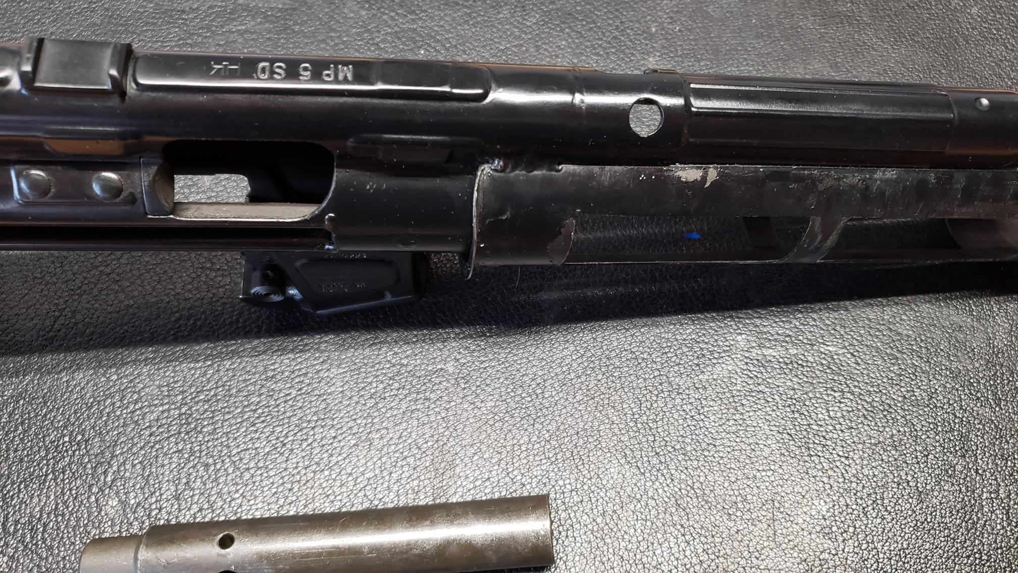 MP5 blues - broken carrier and stuck locking piece-20200616_113821_resized.jpg
