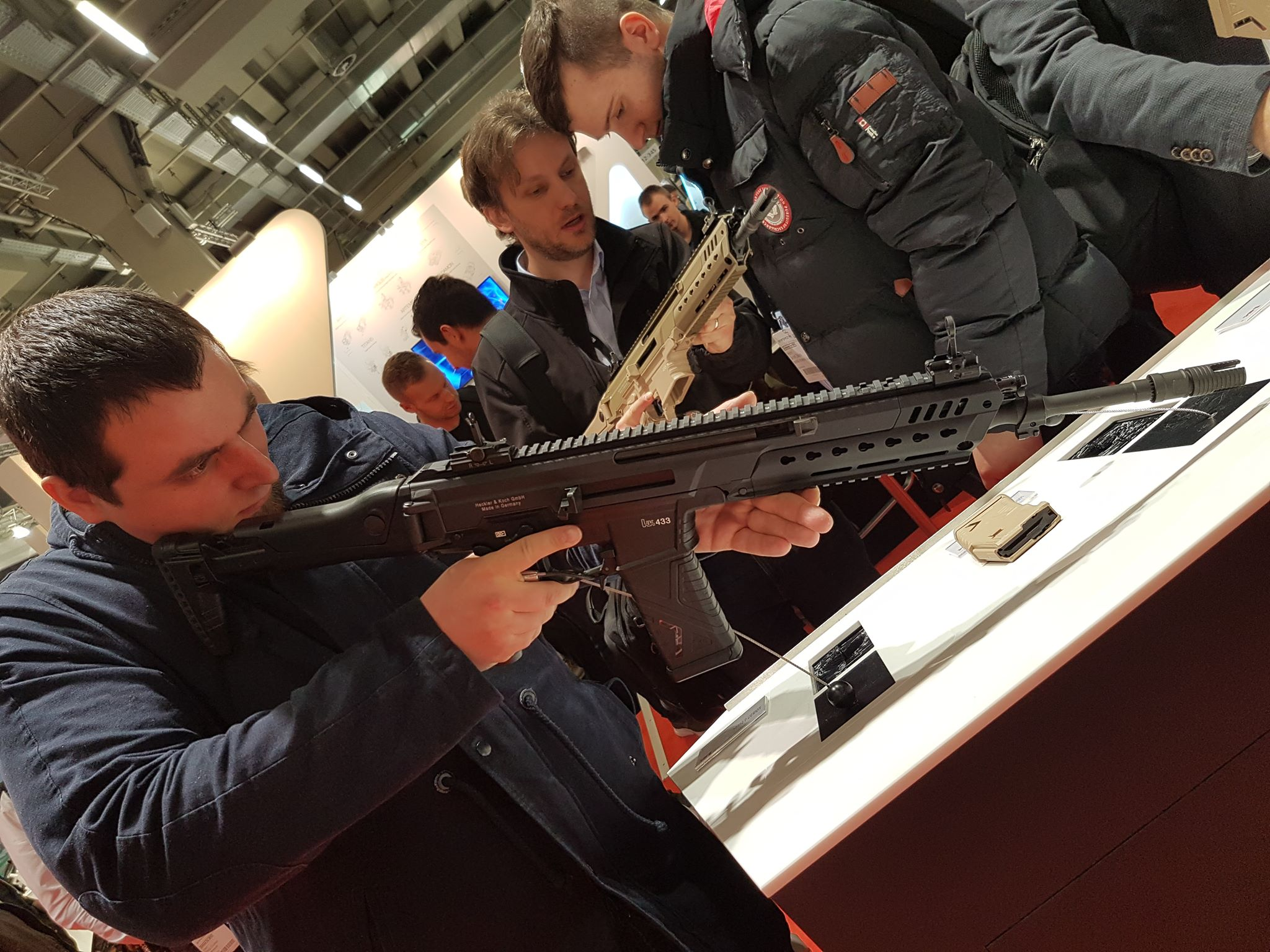 HK433 - The new assault rifle from HK-58629814_1050885491768533_8476761894512754688_o.jpg