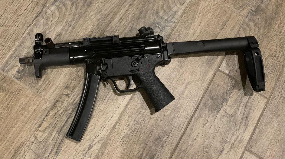 WTS: Omega MP5K w/tailhook, VP70z, P7-5k-1.jpg