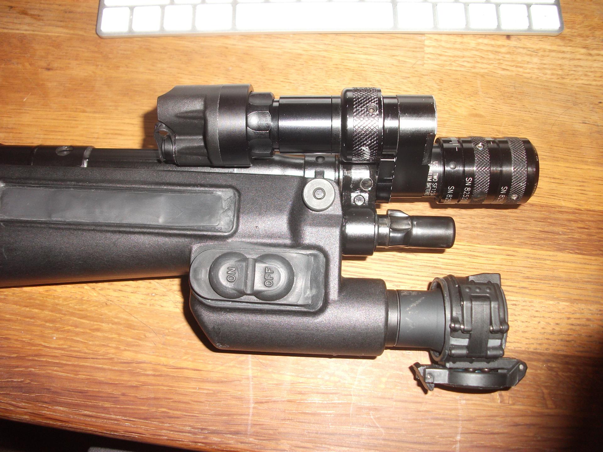 WTS: Surefire MP5 tube mounted laser unit.-dscf2620.jpg