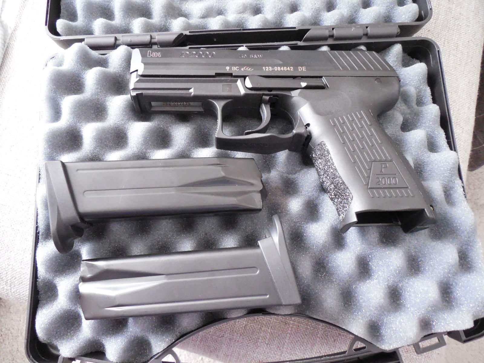 at gun store-dscn0216.jpg