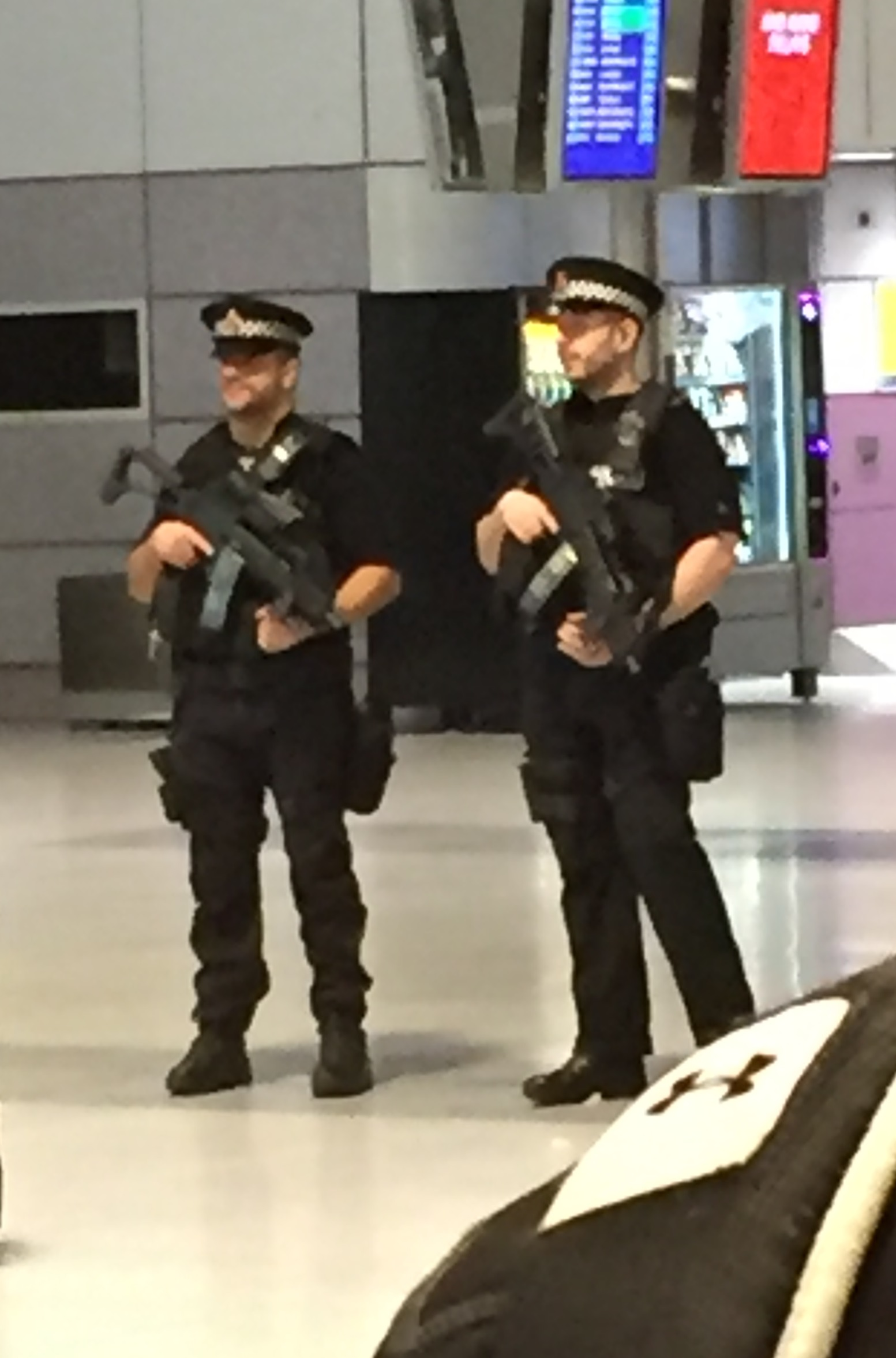More pics from London (updated again)-g36_gb.jpg
