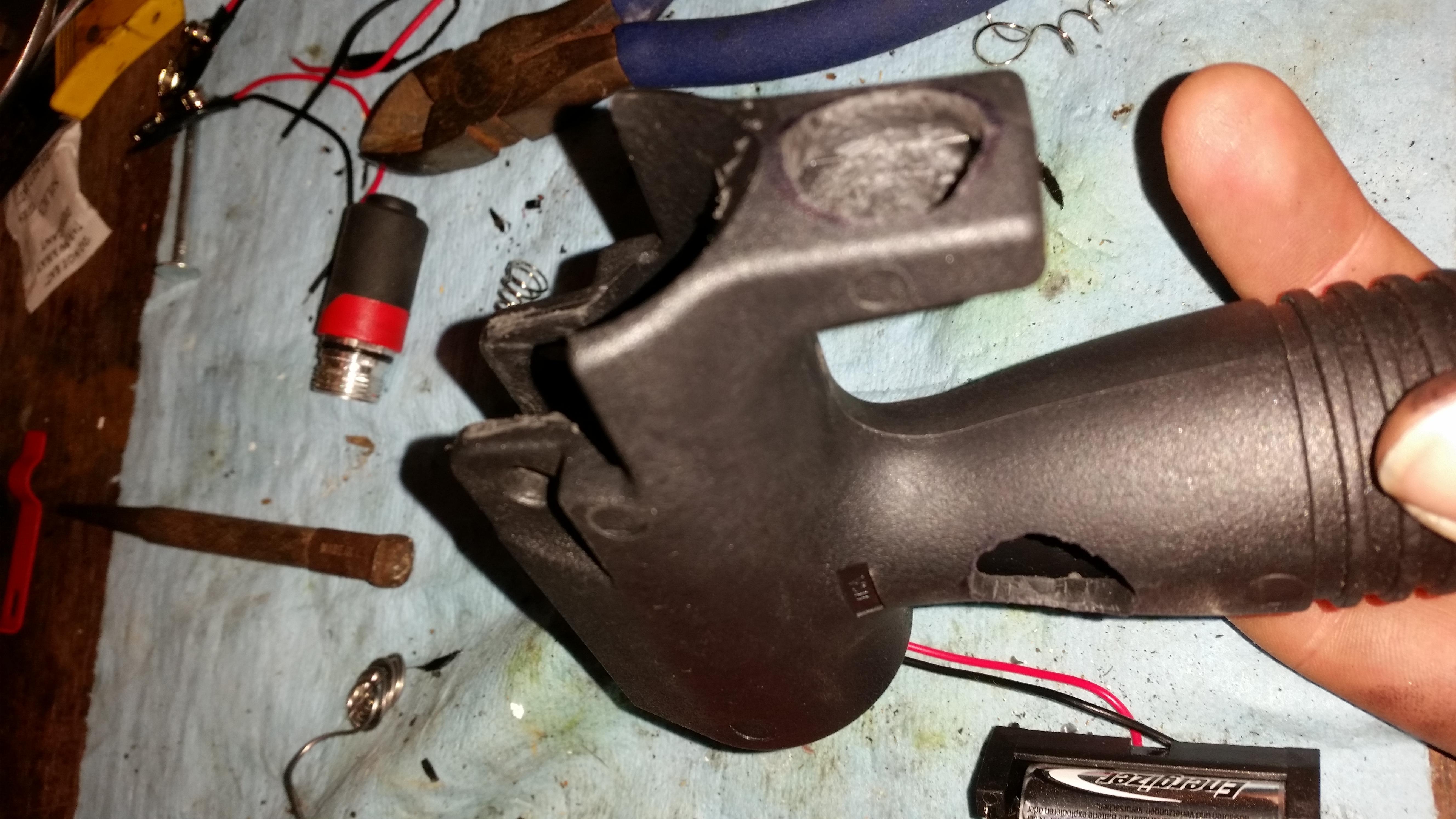 DIY MP5K grip light - -grip2.jpg