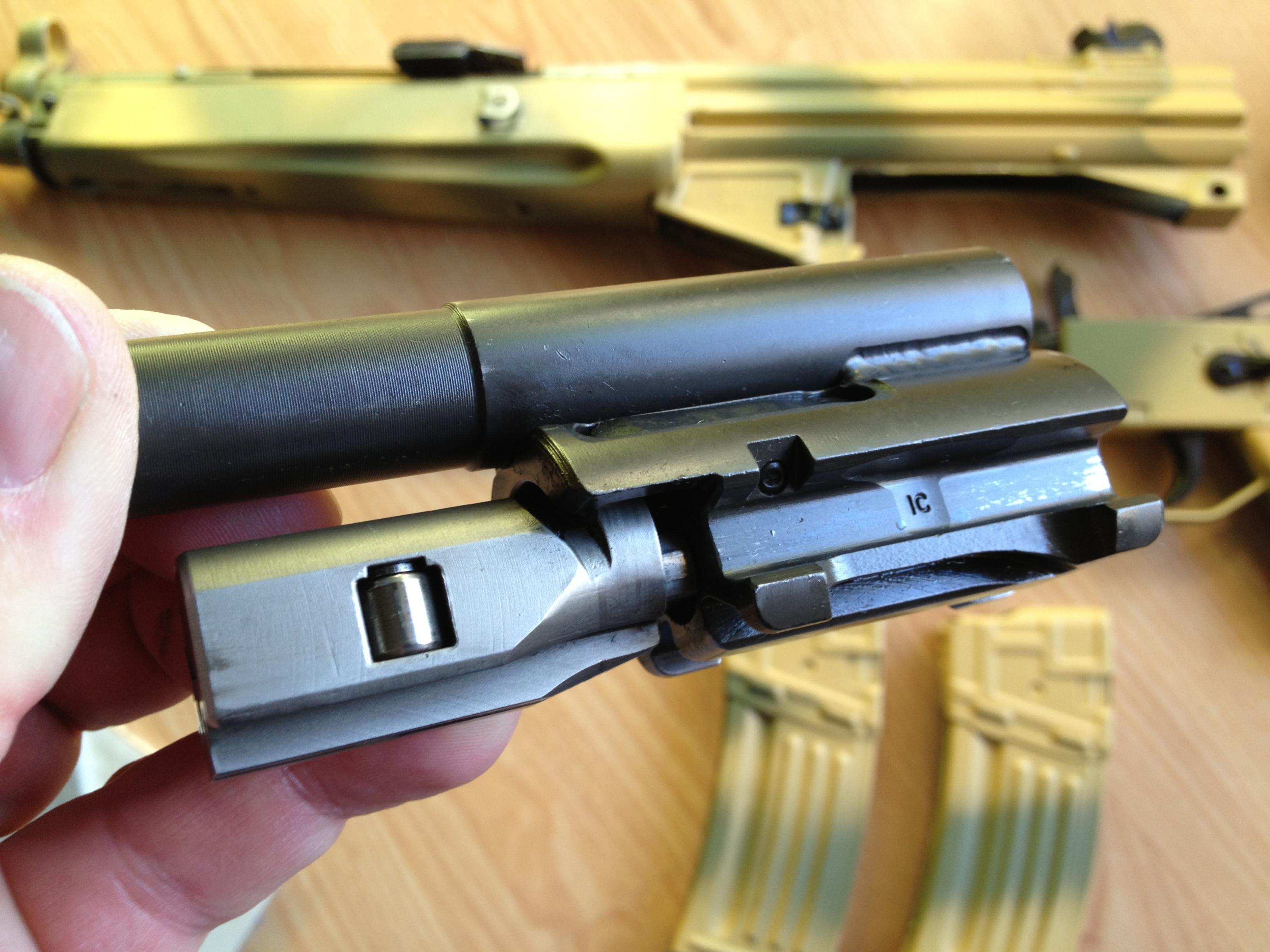Is this the date code on the bolt carrier?-img_0858.jpg