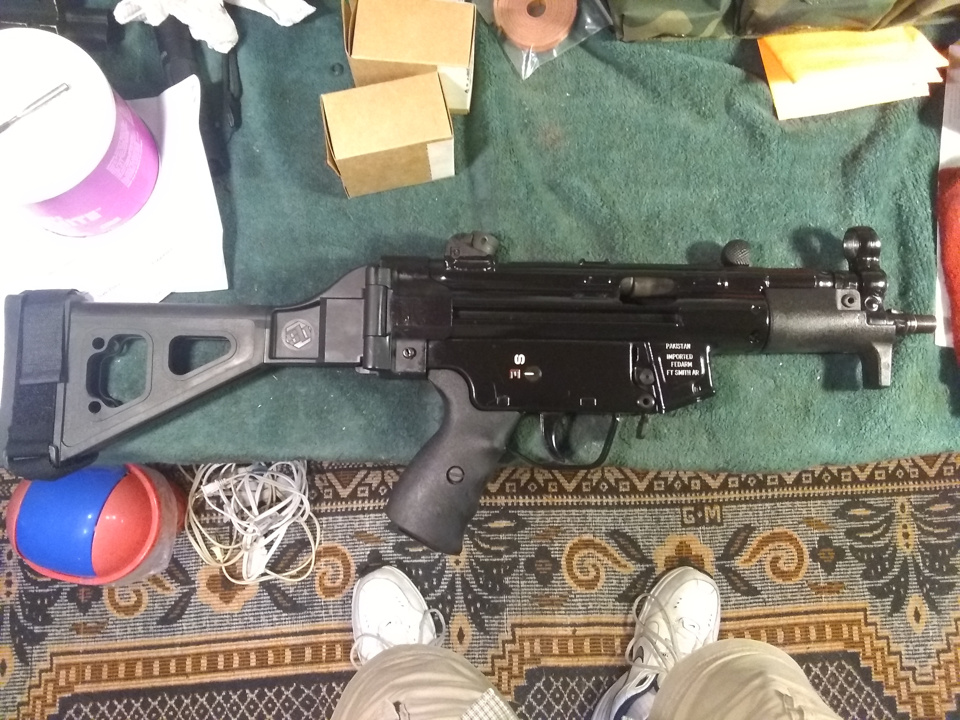 Comparisons between different brands for MP5s-mp5k_right.jpg