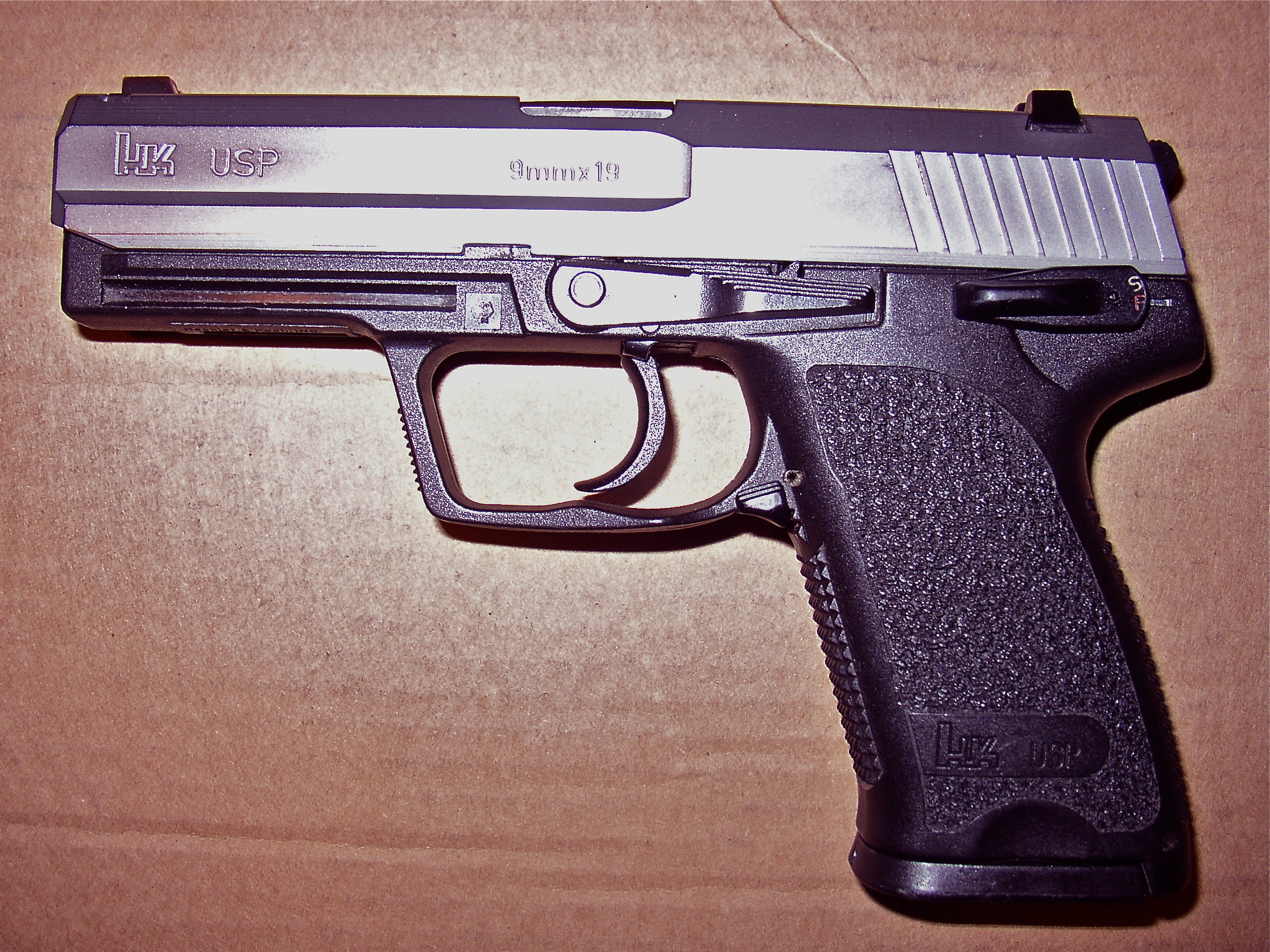 Match USP 9mm Hybrid Clone-p1010454.jpg