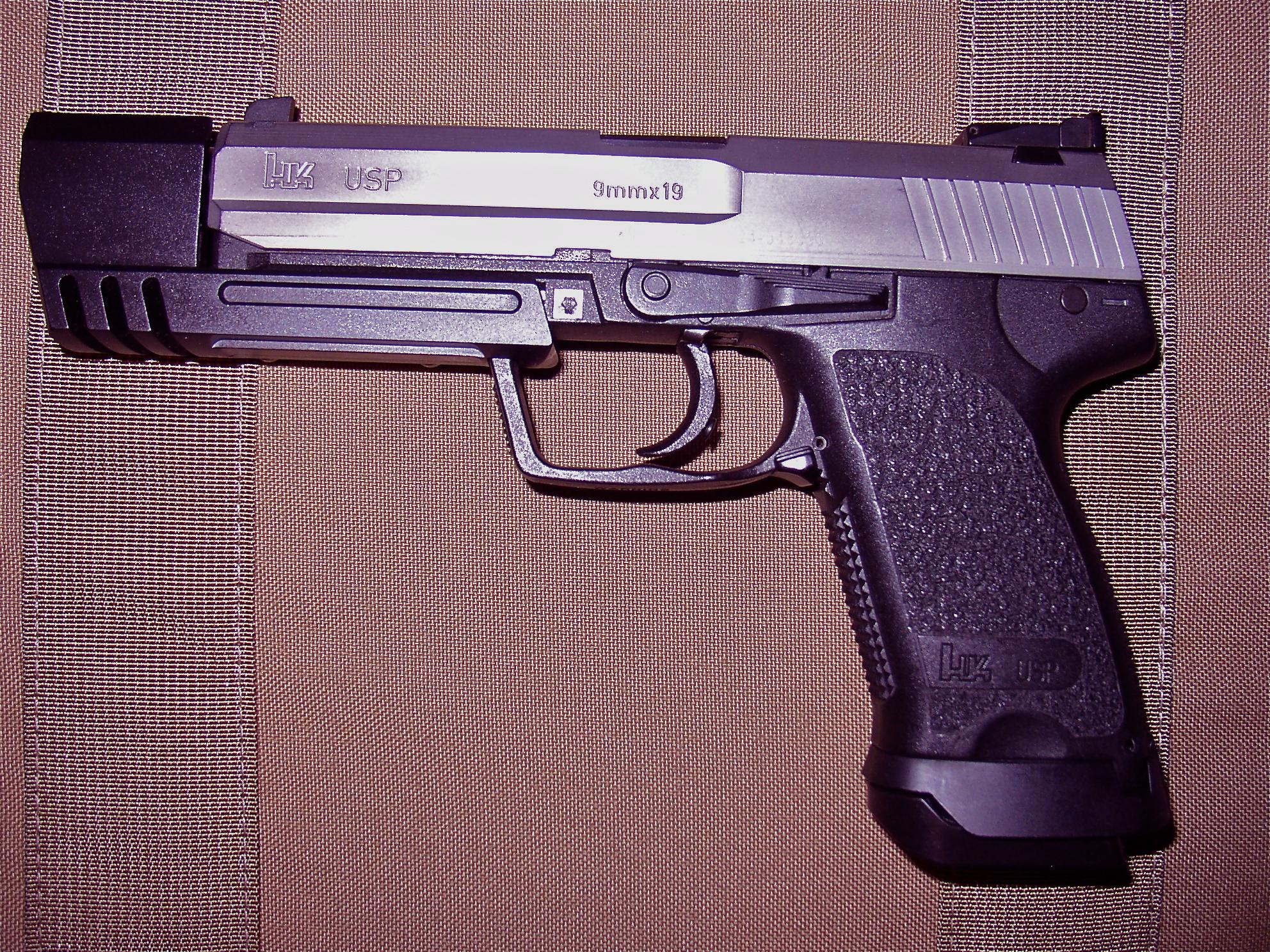Match USP 9mm Hybrid Clone-p1010478.jpg